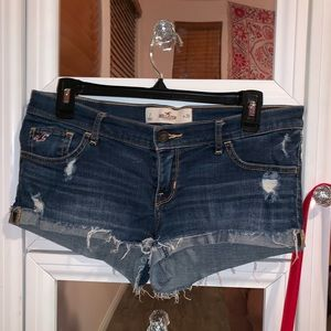 HOLLISTER SHORTS W 28